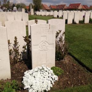 Capt LK Sands grave